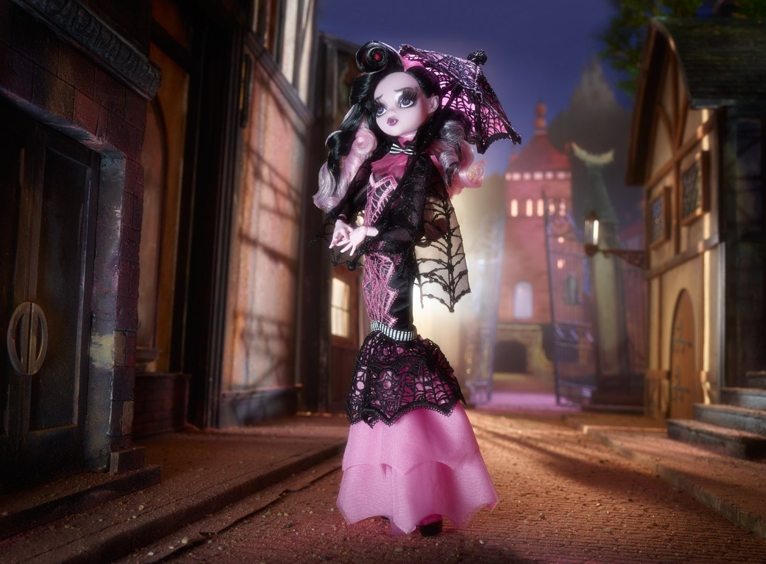 7976988164b Dressed in a gore-geous gown and accessorized with boo-tiful pieces, this  Draculaura doll stands out as a collector item for fans and doll lovers  alike ...