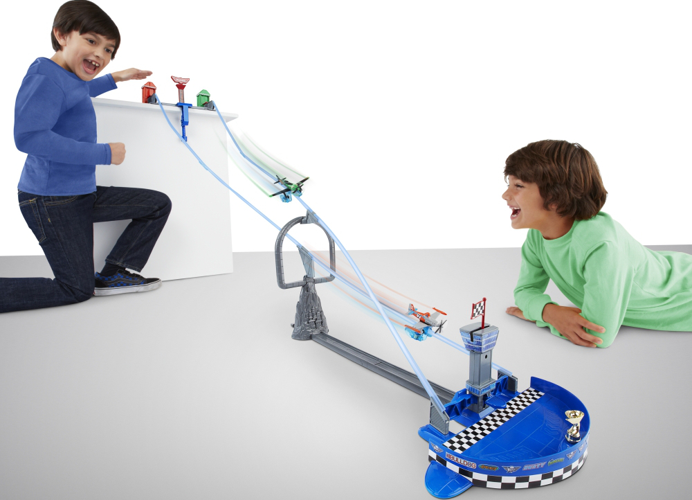 disney planes y0996 with Mattel Disney Planes Sky Track Challenge Y0996 on Mattel disney planes sky track challenge y0996 besides Helikopter Zdalnie Sterowany Fun2get Policja 561040 besides Cena likewise Spiele further Index.