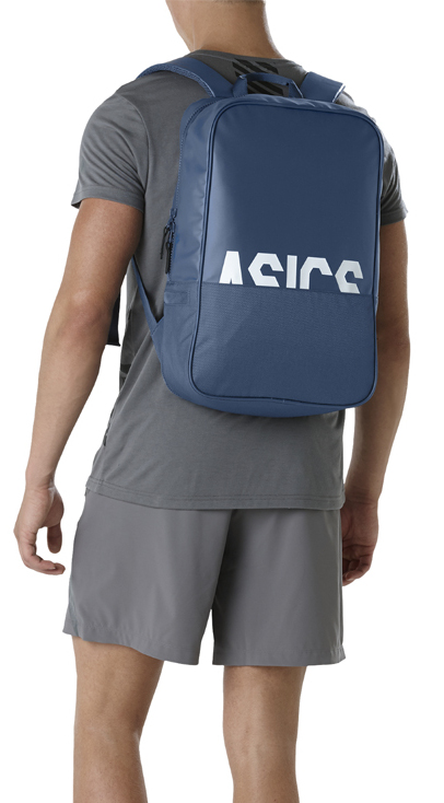 7624217eed Whether training for a marathon or going from the office to the gym, this ASICS  core backpack offers a lightweight and durable choice to pack your ...